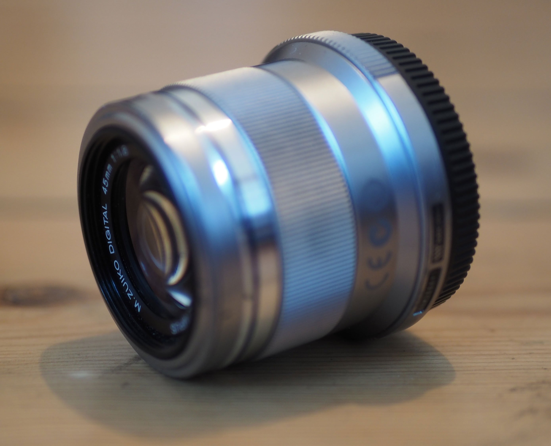 Olympus 45mm f1.8