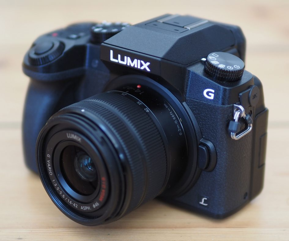panasonic_lumix_g7_angled_hero_full