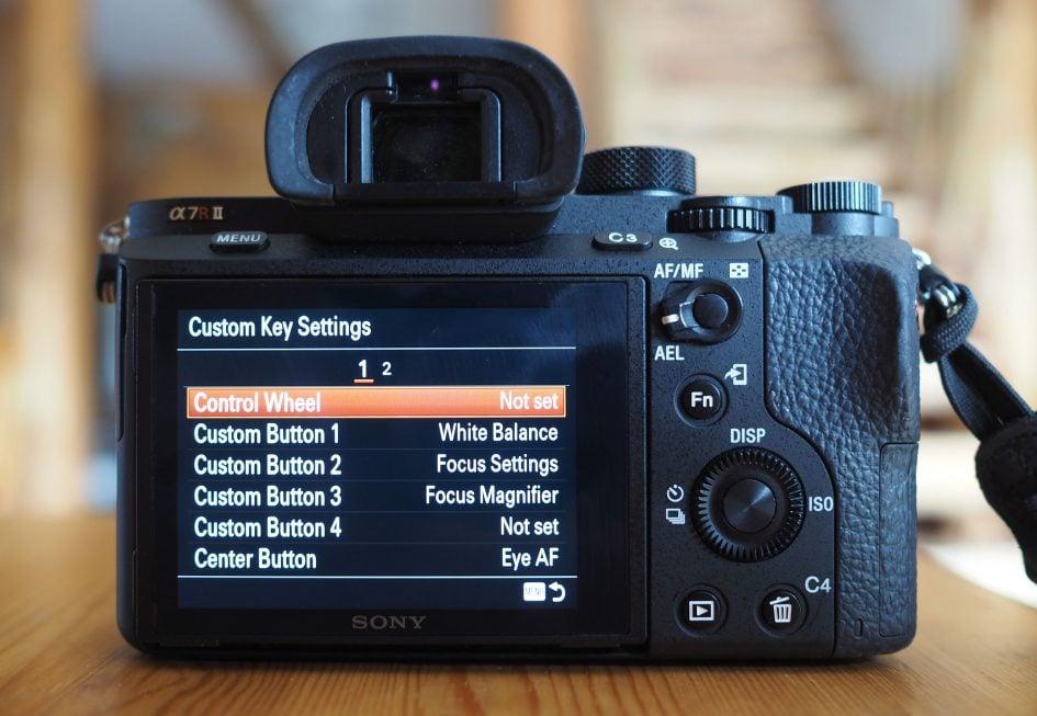 sony-a7r-ii-screen-custom-full