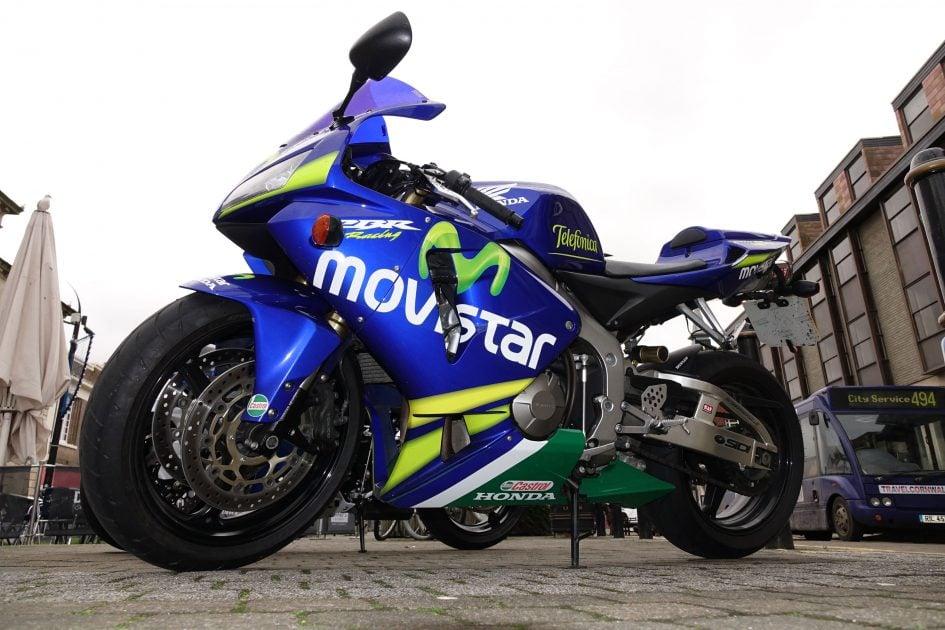 sony_rx10_m2_bike_flash_3000px