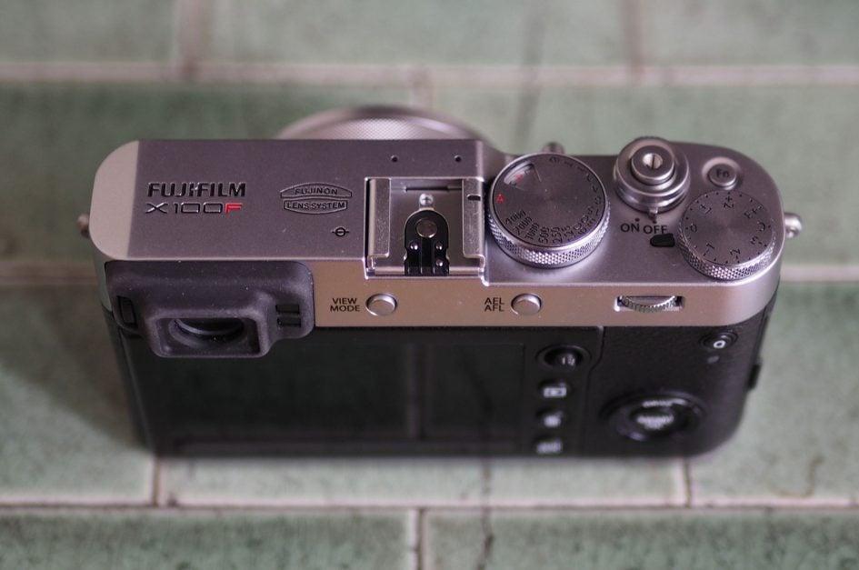 Fujifilm_X100F_top