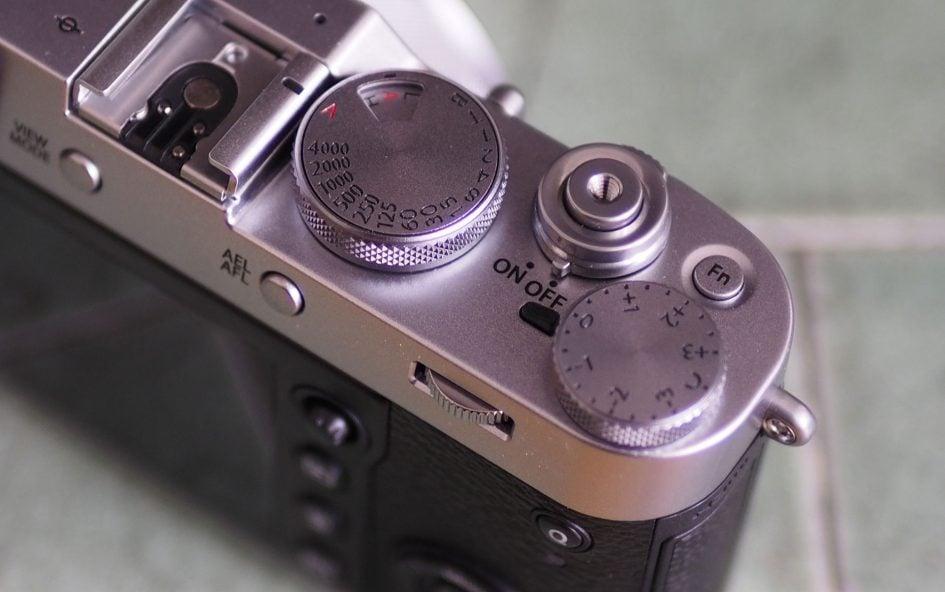 Fujifilm_X100F_top_right