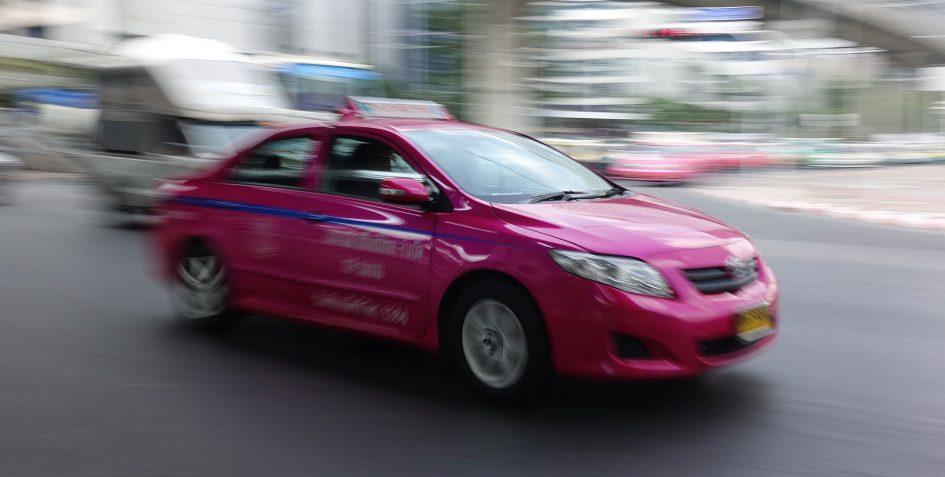 bangkok-pink-taxi