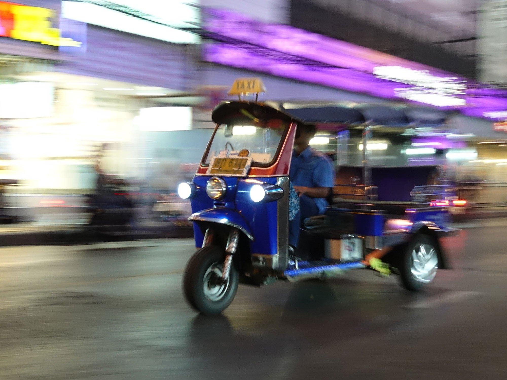 bangkok-tuk-tuk-featured