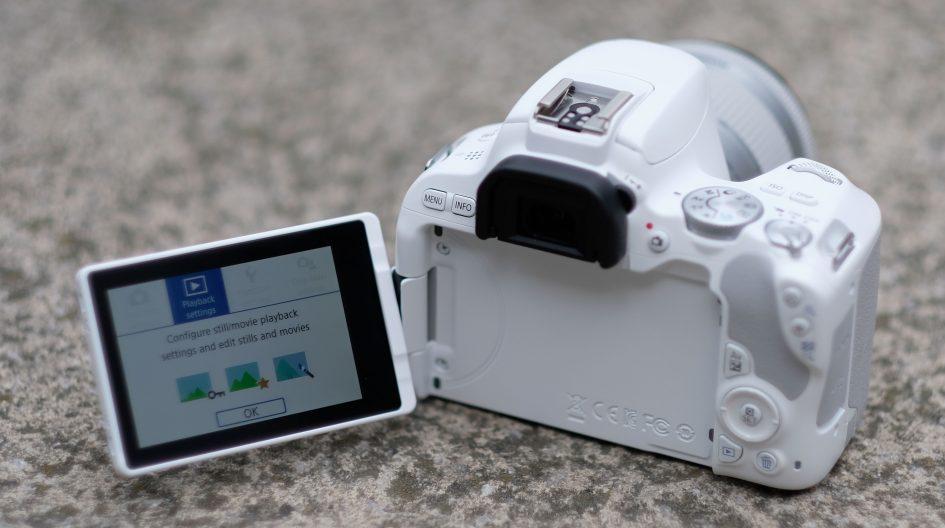 canon-eos-200d-flip-screen-1