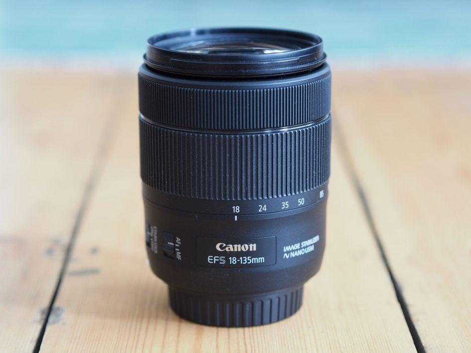 Canon-efs-18-135mm-is-usm-hero2