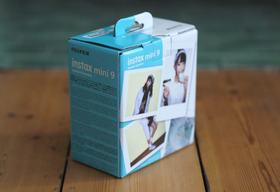 Fujifilm-instax-mini-9-box