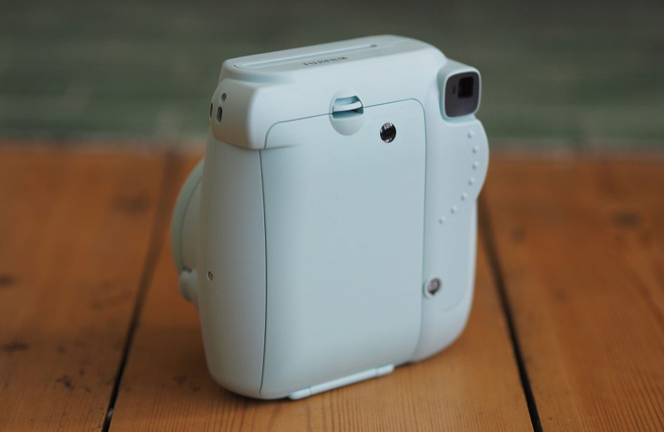 Fujifilm-instax-mini-9-rear