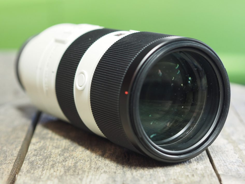 Sony-fe-70-200mm-f2-8-gm-hero1