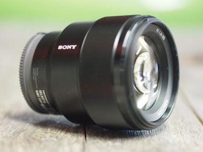 Sony-fe-85mm-f1-8-hero1