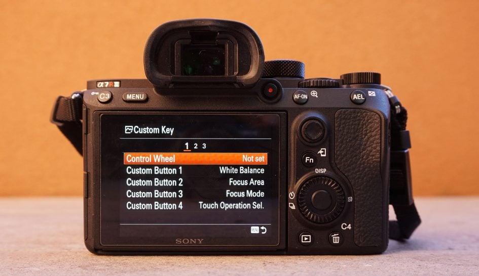 sony-a7r-iii-menus-custom-buttons