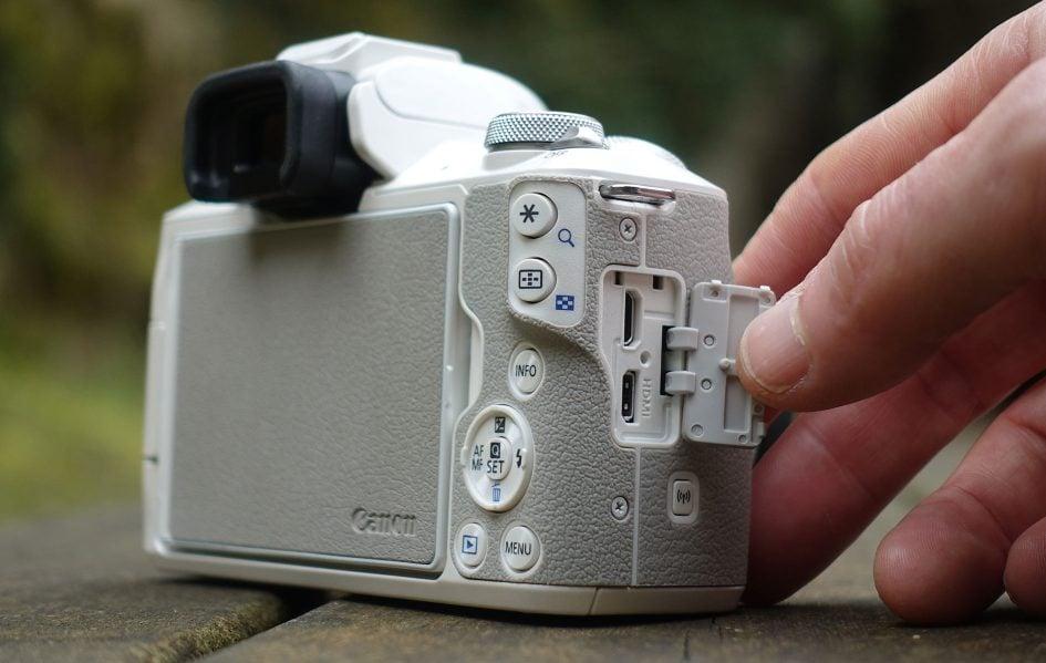 canon-eos-m50-ports