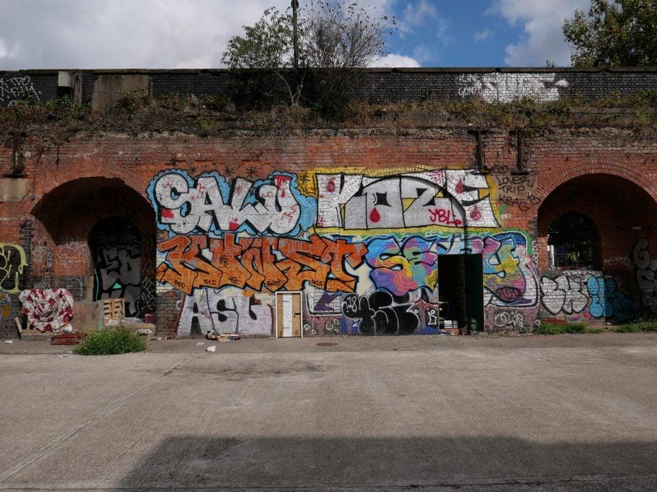 lumix-lx100ii-grafitti