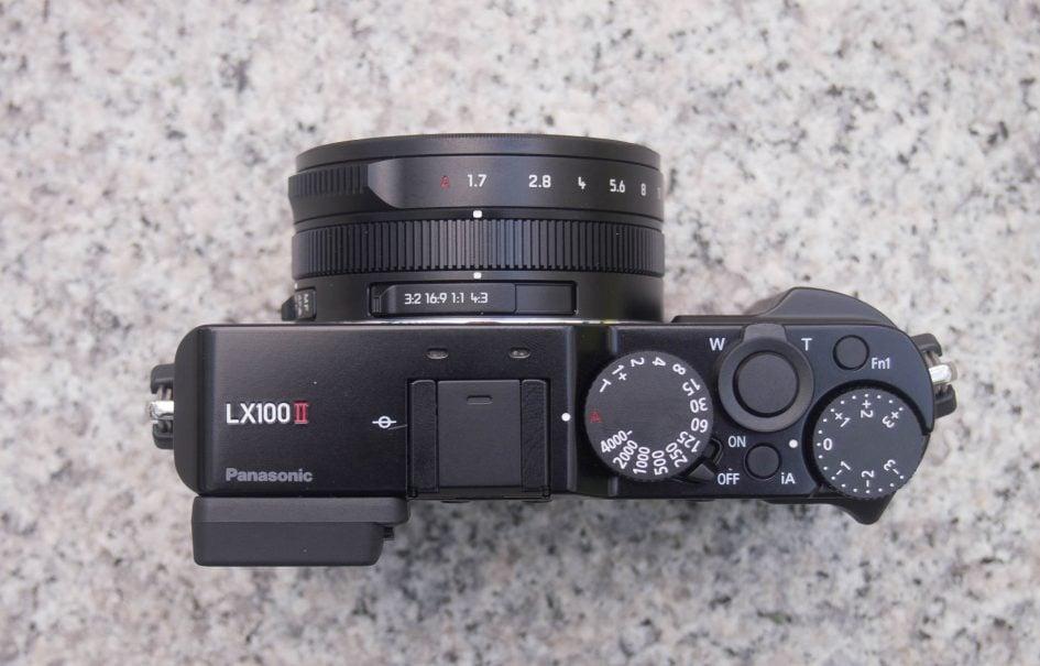 lumix-lx100ii-top-2000px