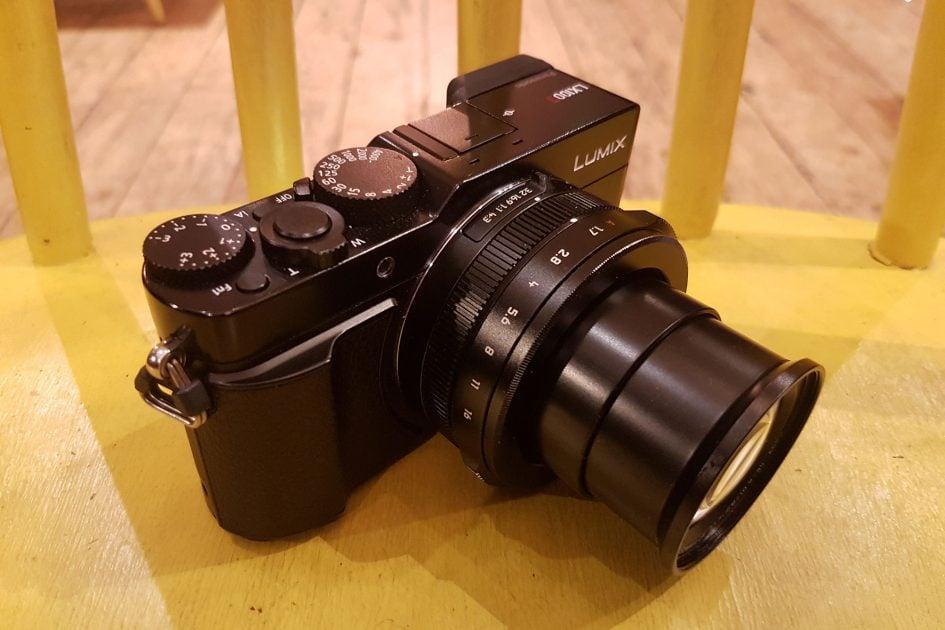 panasonic-lumix-lx100-ii-lens-extend