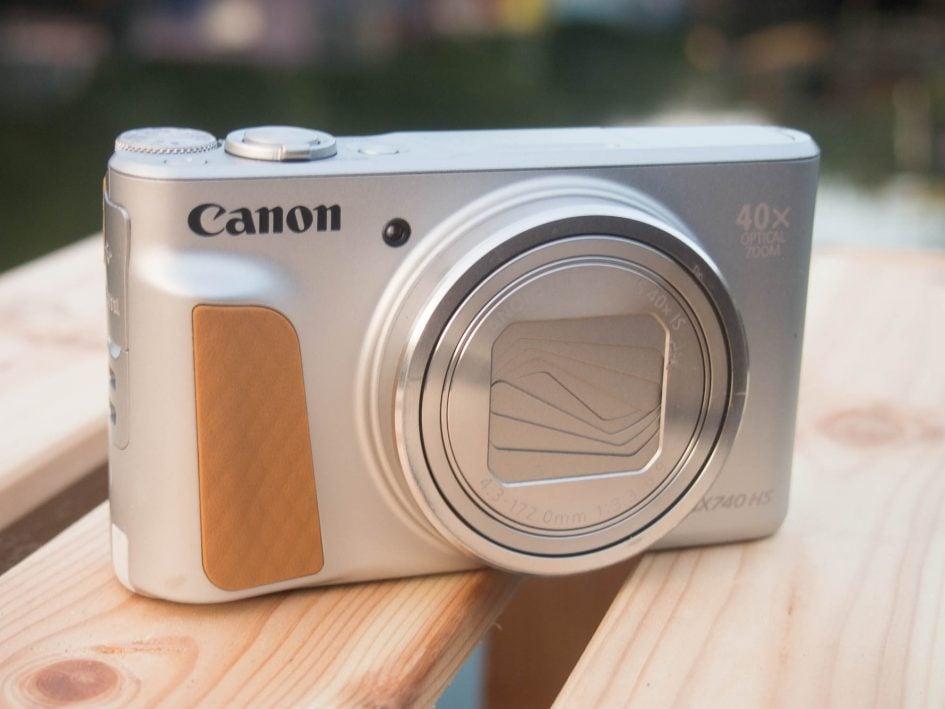 Canon_sx740hs_hero_2000px