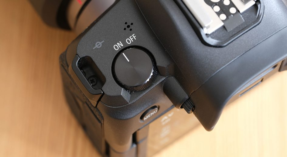 canon-eos-r-power-switch