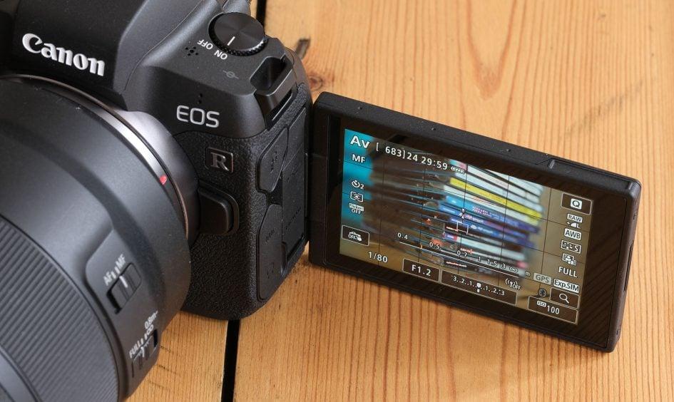 canon-eos-r-screen-flip