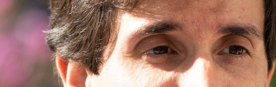 portrait_Zeiss85f1-8Batis_f1-8_01156crop