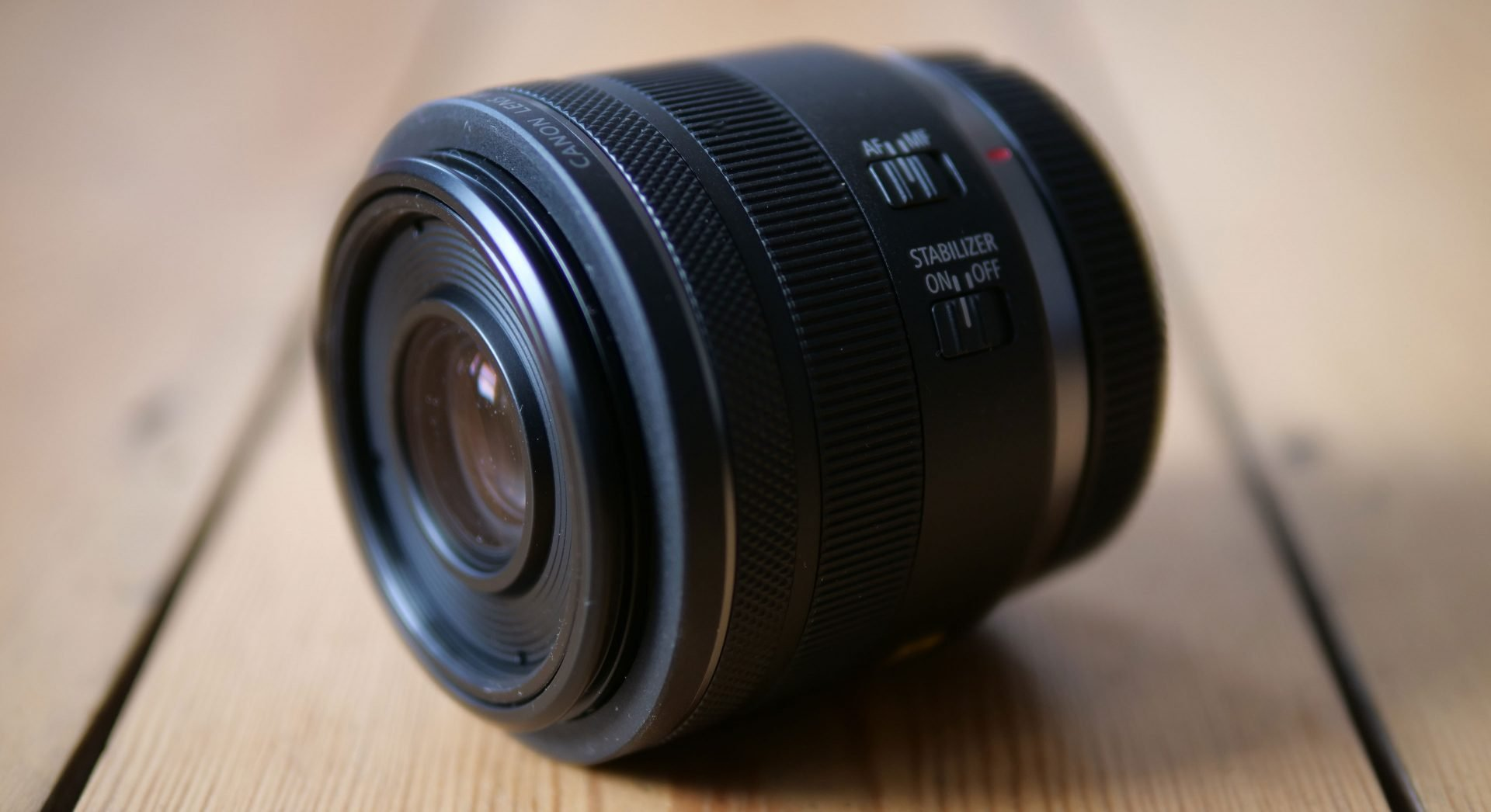 canon-rf-35mm-f1-8-is-macro-stm-header1