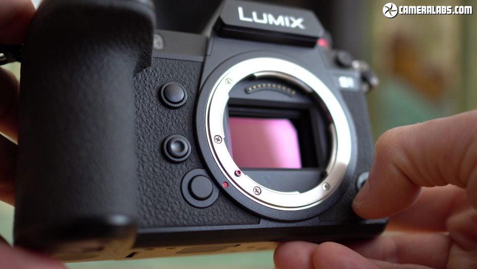 panasonic-lumix-s1-review-sensor