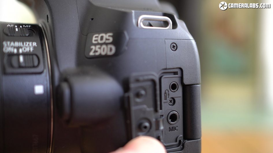 canon-eos-250d-review-mic-input