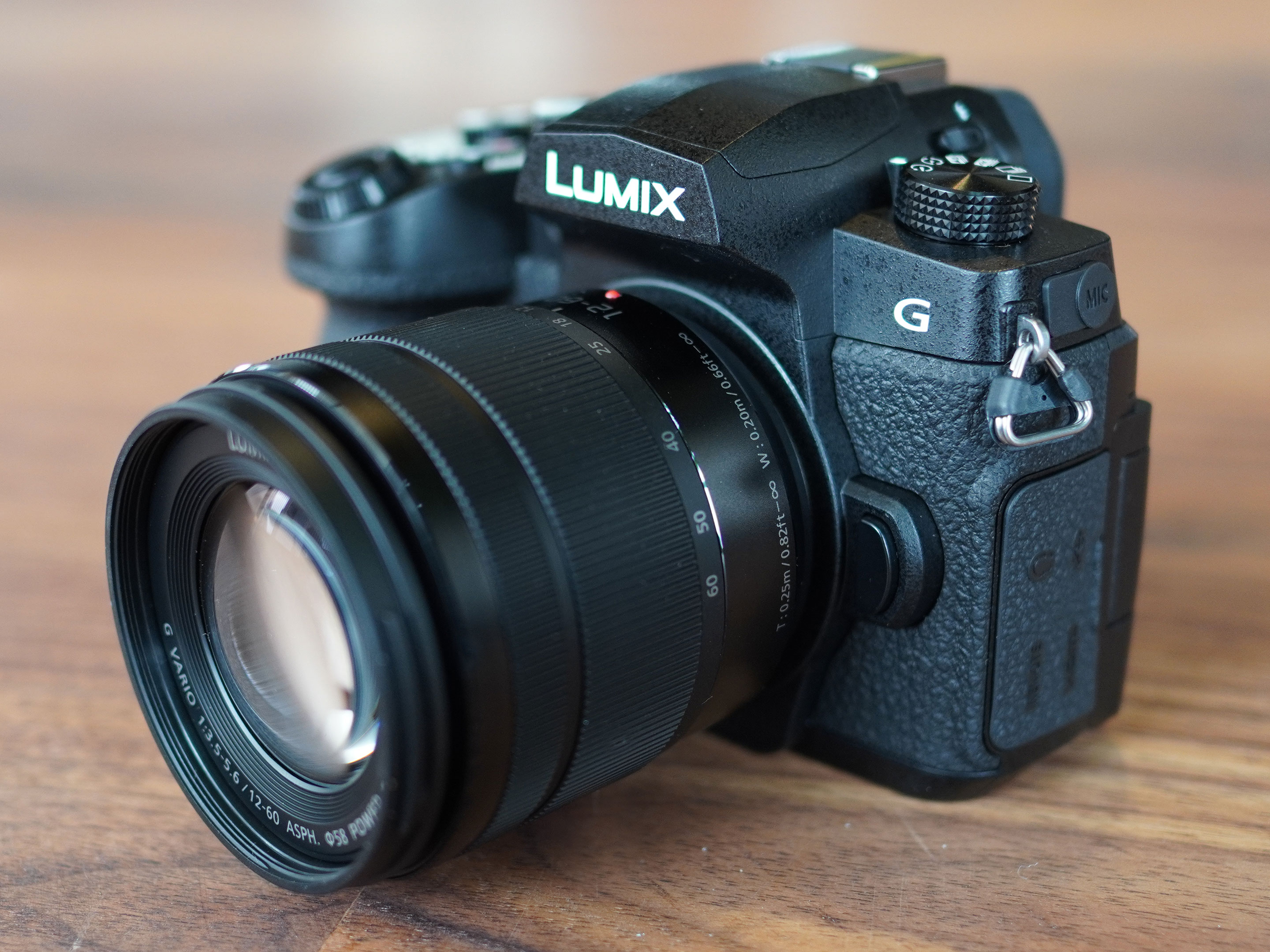 panasonic-lumix-g90-hero1