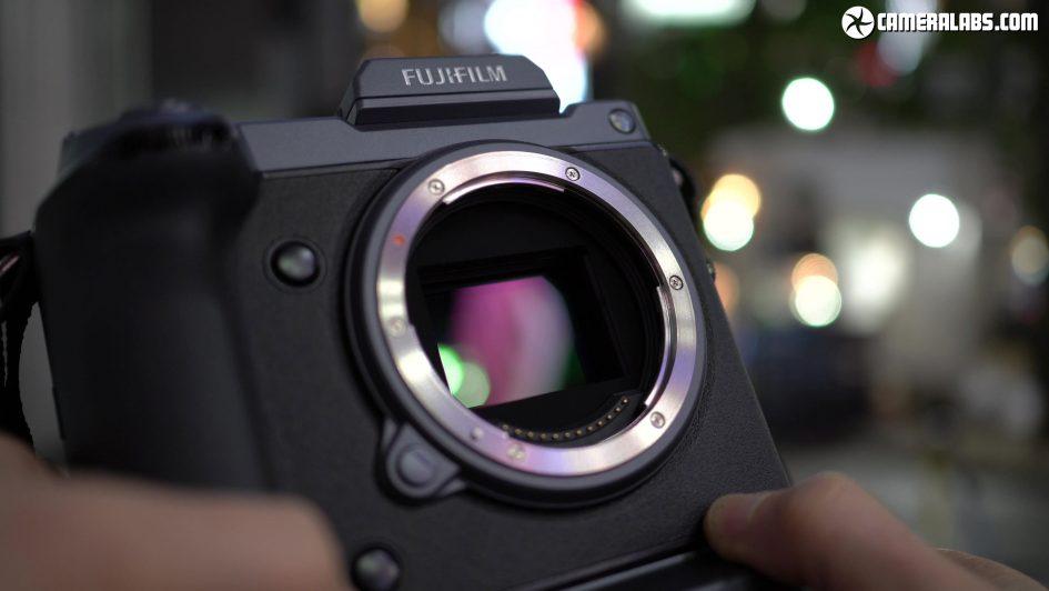 fujifilm-gfx-100-sensor