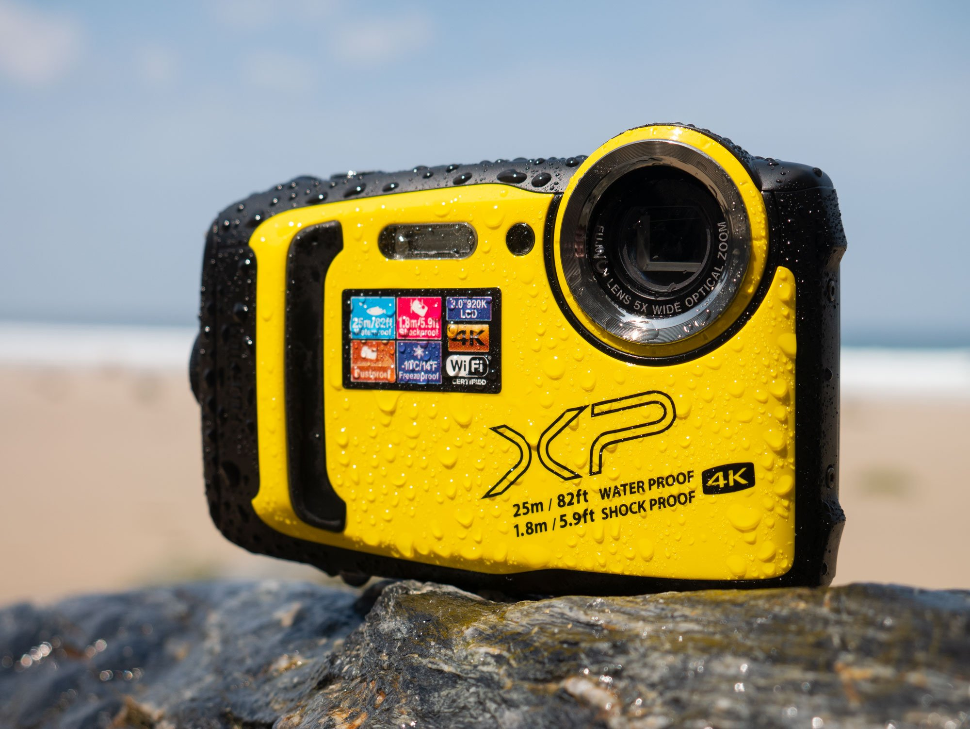 Finepix-XP140-front