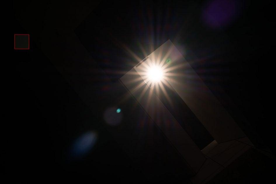 flare_Sony55f1-8ZA_f11_03983