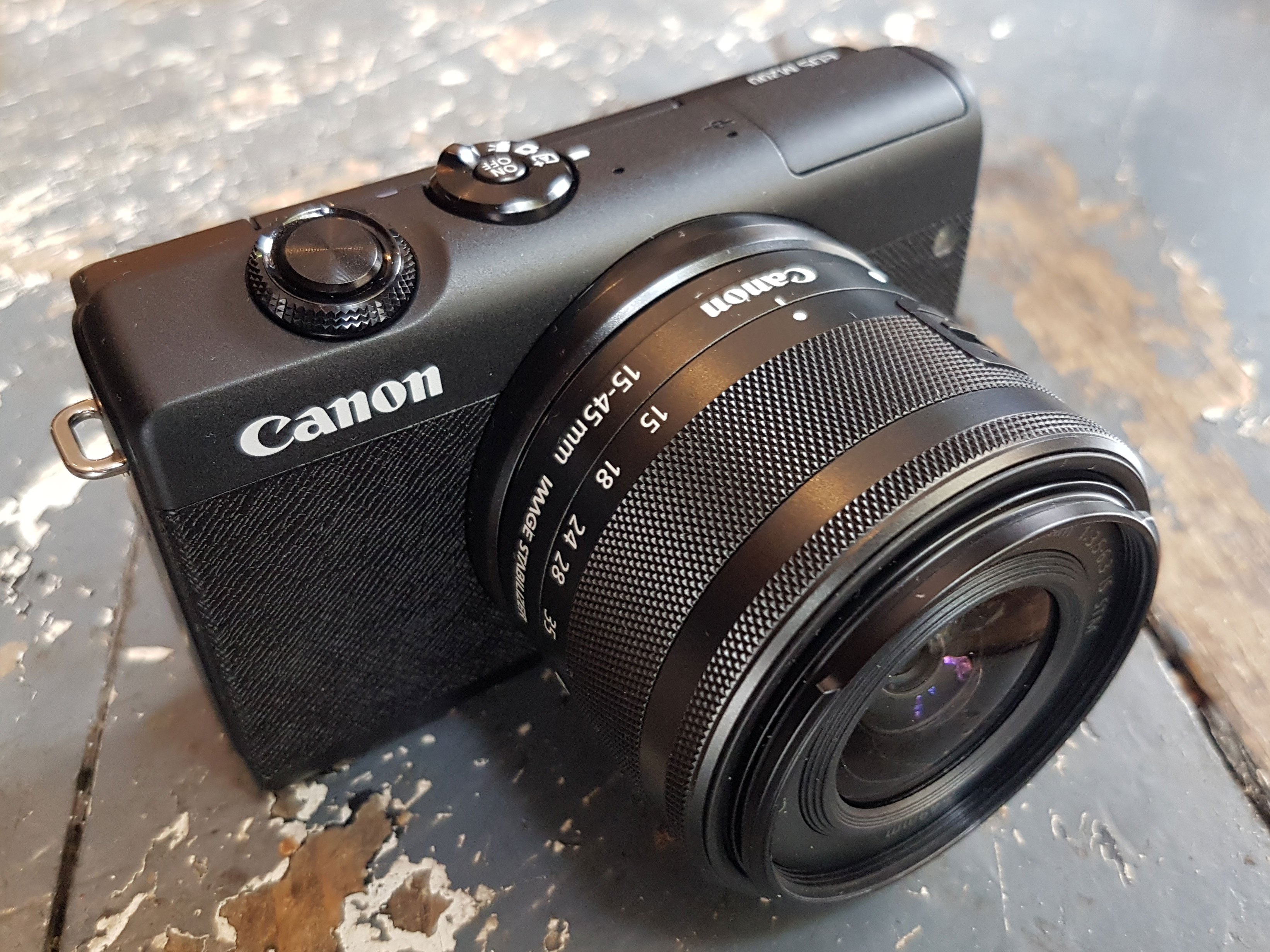 canon-eos-m200-hero5