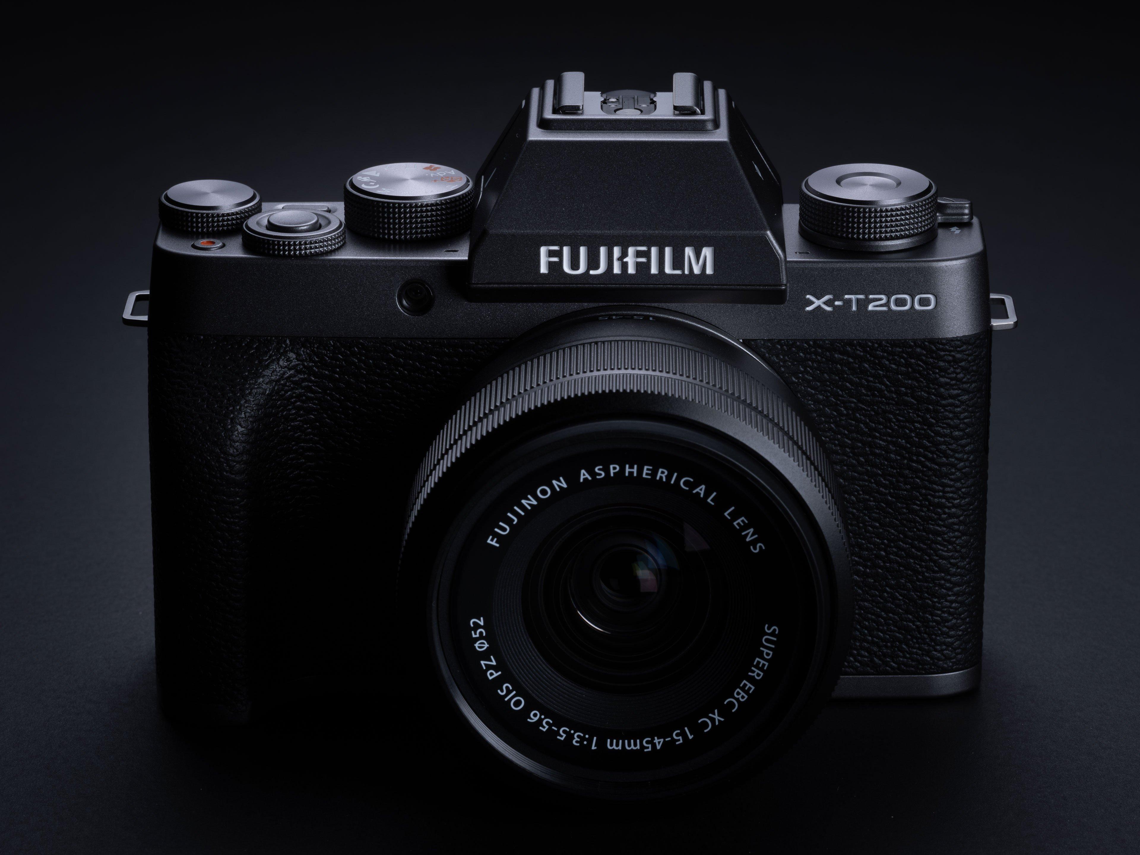 fujifilm-xt200-hero1